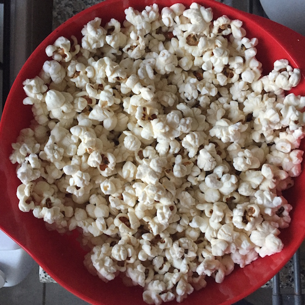 perfect stove popped popcorn coconut oil pink himalayan sea salt